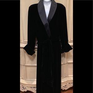 Victoria's Secret Black Velvet Belted Robe Size ML
